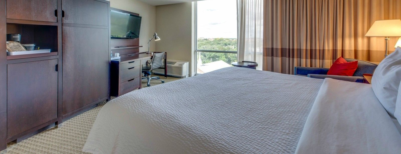 Tallahassee Accommodations - Accessible Guest Room